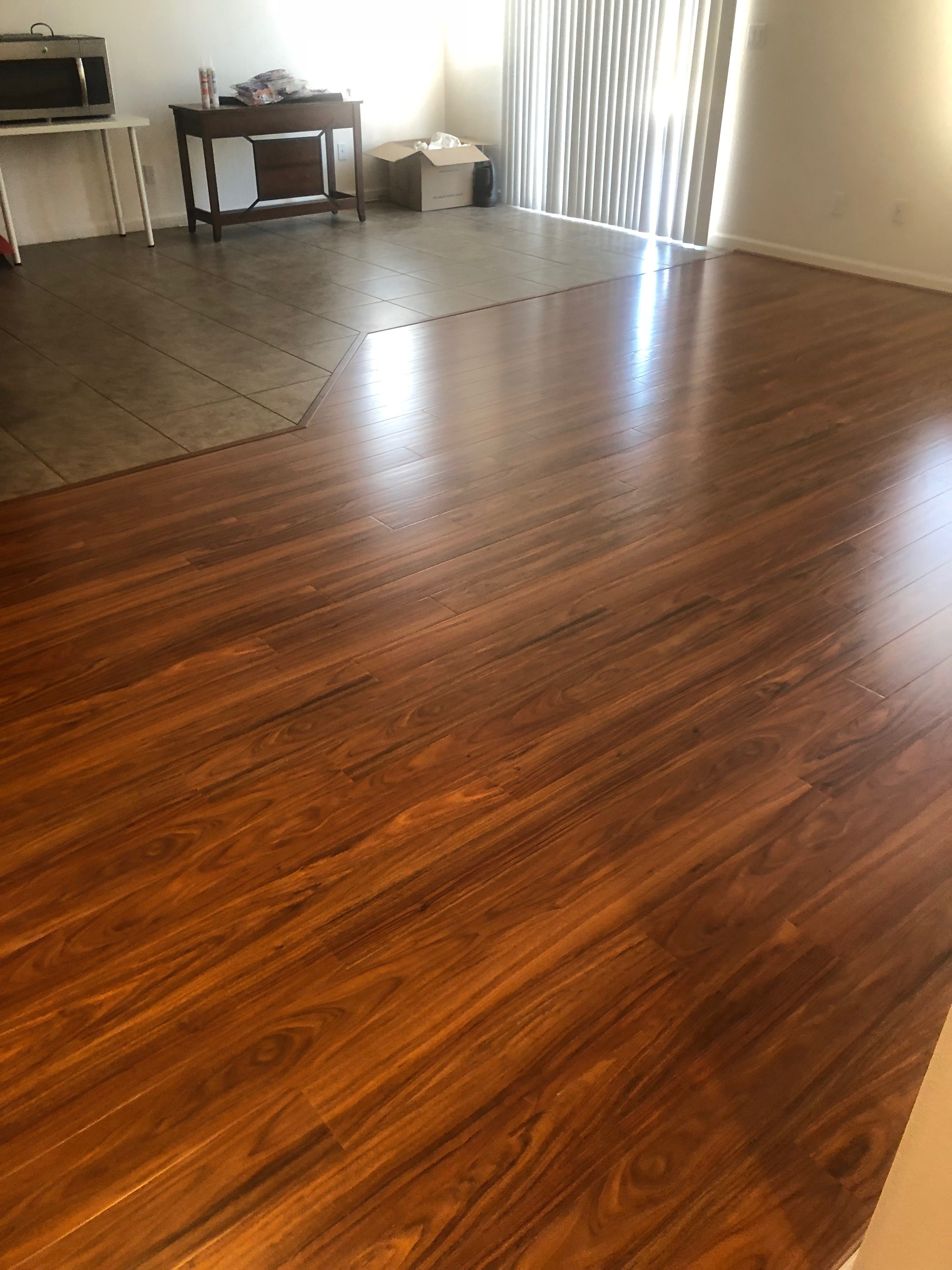 Engineered hardwood floor inmstall