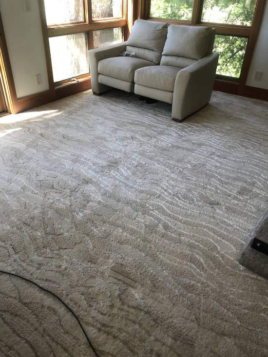 Sculpted carpeting installation